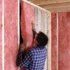 ¿Cómo aislar la pared a la habitación?